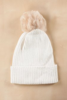 beanie-with-fur